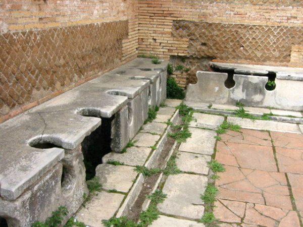 javni toalet u Rimu